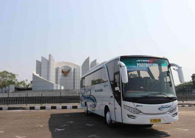 Bus Pariwisata Surabaya