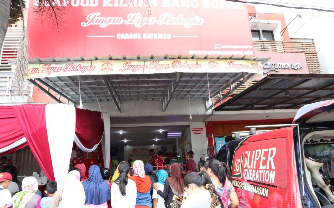 Seafood Kiloan Bang Bopak Kuliner Malam di Bandung                                        5/5(1)
